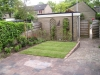 Kleine achtertuin in Hengelo aangelegd